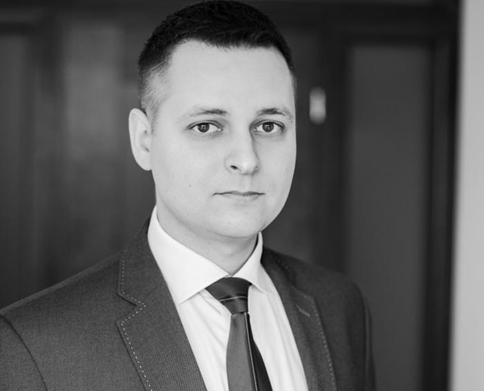 Maciej Wrzołek  – Aplikant radcowski